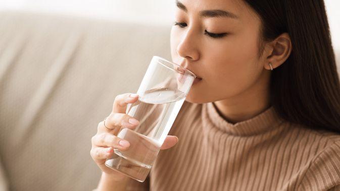Manfaat Minum Air Putih Untuk Kesehatan Tubuh